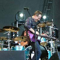 THEM CROOKED VULTURES 17